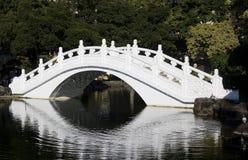 Ponte chinesa branca imagens de stock