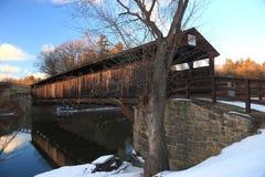 Ponte coberta de Perrins no inverno fotografia de stock royalty free
