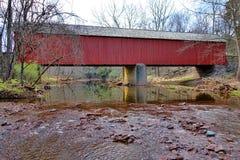 Ponte coberta histórica Bucks County de Frankenfield fotos de stock