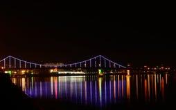A ponte com luminoso azul fotografia de stock