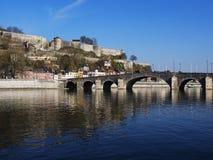 Ponte com rio Meuse em Namur fotografia de stock royalty free