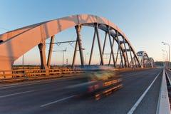 Ponte combinato dell'automobile e della ferrovia Kiev, Ucraina Fotografia Stock