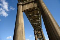 Ponte commemorativo della seconda guerra mondiale del fiume di Calcasieu che collega Lake Charles e Westlake, Luisiana fotografie stock libere da diritti