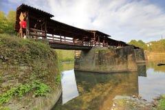 Ponte coperto cinese di dinastia di canzone in contea wuyuan, adobe rgb fotografia stock