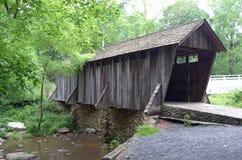Ponte coperto in Pisgah Co North Carolina fotografie stock