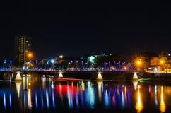 Ponte d'acciaio alla notte Fotografia Stock