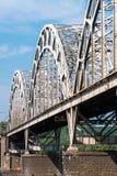 Ponte d'acciaio incurvato Immagine Stock