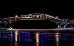 Ponte da água azul Fotos de Stock
