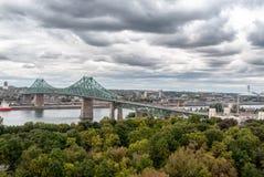 Ponte da baía de Montreal - verde cúprico fotografia de stock royalty free