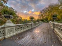 Ponte da curva, Central Park, New York Cit imagem de stock royalty free