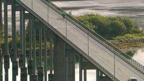 Ponte da estrada da suspensão em Tjeldsundbrua filme