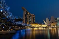 Ponte da hélice que conduz a Marina Bay Sands Foto de Stock