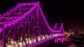 Ponte da história em Brisbane Austrália no lapso da noite filme