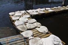 A ponte da pálete para evita a inundação em Tailândia Fotografia de Stock Royalty Free