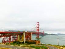 A ponte da porta do ouro em uma névoa em San Francisco Foto de Stock Royalty Free