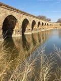 Ponte da rocha com apoios de arco Fotos de Stock Royalty Free
