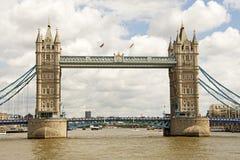 Ponte da torre do rio Thams Fotos de Stock Royalty Free