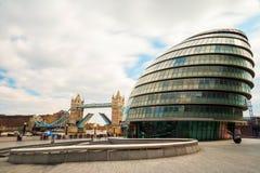 Ponte da torre e câmara municipal de Londres Imagem de Stock