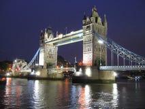 Ponte da torre na noite Imagem de Stock Royalty Free