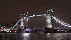 Ponte da torre na noite vídeos de arquivo