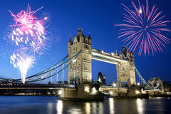 Ponte da torre no crepúsculo Fotos de Stock Royalty Free
