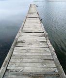 A ponte das placas de madeira velhas imagens de stock royalty free