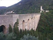 Ponte das torres de Spoleto foto de stock