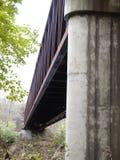 Ponte das trilhas de estrada de ferro fotografia de stock