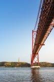 Ponte 25 de Abril Bridge Famous Architectural Sight Lisbona Portu Fotografia Stock Libera da Diritti