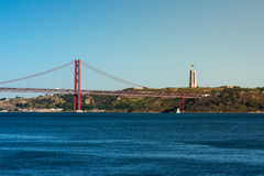 Ponte 25 de Abril Bridge Famous Architectural Sight Lisbona Portu Fotografia Stock