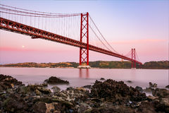 Ponte 25 De Abril Bridge Famous Architectural Sight Lisbonne Portu Photos stock