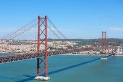 Ponte 25 de Abril a Lisbona, Portogallo Immagini Stock