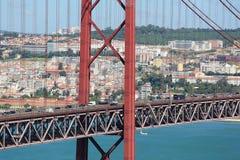 Ponte 25 DE Abril in Lissabon, Portugal Stock Afbeeldingen
