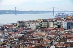 Ponte 25 de Abril, 25th из моста Лиссабона в апреле Стоковые Фотографии RF
