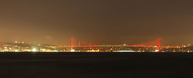 Ponte de Atatürk em a noite Fotos de Stock