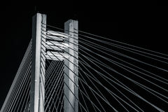 Ponte de B&W - passagem superior de Basarab na noite Fotos de Stock