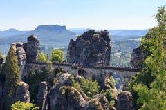 Ponte de Bastei e montanha Lilienstein da tabela em Rathen, Suíça saxão Fotos de Stock