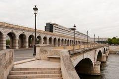 A ponte de Bercy Imagens de Stock Royalty Free