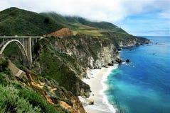 Ponte de Bixby em Sur grande de Califórnia Imagens de Stock