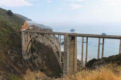 Ponte de Bixby - Sur grande - Califórnia fotografia de stock