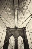 Ponte de Brooklyn em New York no sepia Imagem de Stock Royalty Free