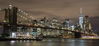 Ponte de Brooklyn na noite Imagens de Stock Royalty Free