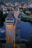 Ponte de Cahors e de Valentré na noite Imagens de Stock Royalty Free