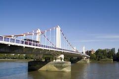 Ponte de Chelsea, Londres Imagens de Stock Royalty Free