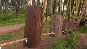 Ponte de corda no parque filme