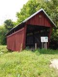 Ponte de Cox perto dos montes de Hocking fotografia de stock