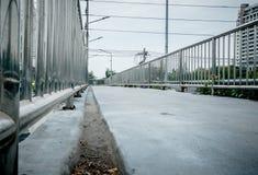 Ponte de cruzamento concreta da rua do caminho Fotografia de Stock Royalty Free