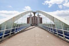 A ponte de elevador dos cais de Salford fotos de stock royalty free