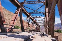 Ponte de fardo em Argentina do norte imagens de stock