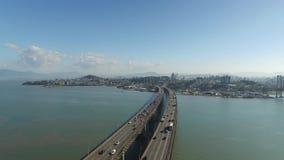 Ponte de Florianopolis da vista aérea, Brasil Em julho de 2017 video estoque